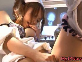 Akina प्यारा एशियन नर्स expand उसकी twat