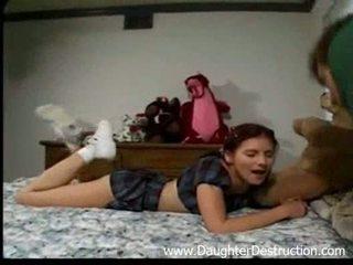Stepdad 和 他的 女儿