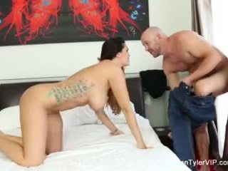 Alison tyler does une self coup solo