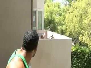 Saggy titted บลอนด์ ร่วมเพศ เธอ เพื่อนบ้าน