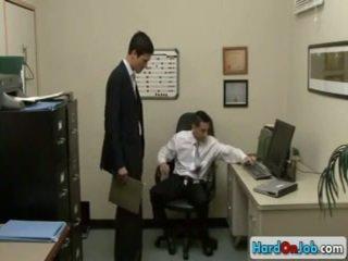 Lad sự nịnh hót của anh ấy đồng tính ông chủ qua hardonjob