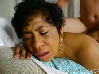 Super sexy moshë e pjekur e zezë gbb është një shumë nxehtë qij: porno 71