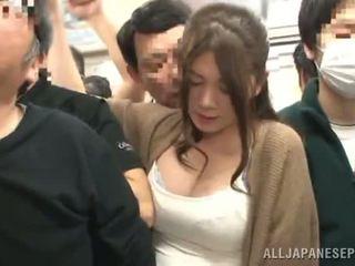 Sensuous oriental femme has fingered en une crowded train