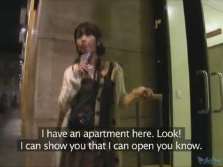 ญี่ปุ่น นักท่องเที่ยว persuaded ไปยัง มี เพศ