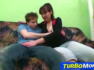 Hirsute gospodinja karin seks s a najstnice fant