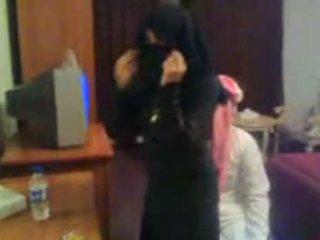 Koweit arab hijab 売春婦 護衛 arab middle ea