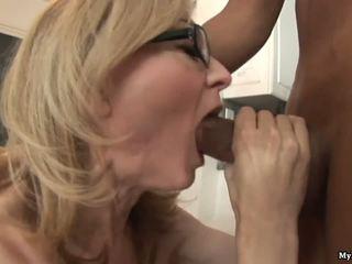 Nina hartley gets קשה handled על ידי two חרמן שחור sytuds