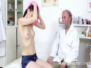 Genç bukkake comes için gynecologist
