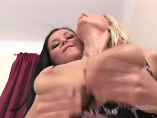 brunette, blondes, pussy licking