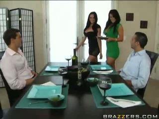 ร้อน เซ็กส์ 4 คน ด้วย audrey bitoni และ savannah stern วีดีโอ