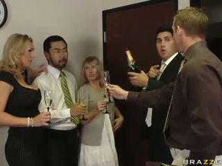 Британски милф tanya tate having секс в на офис видео