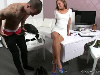 Muscled Tattooed Dude Fucks Female Agent In Her Office