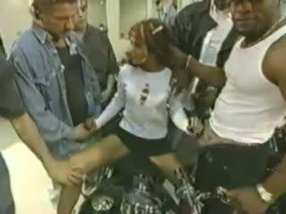 The gangbang dívka video