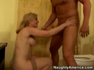 Zartyldap maýyrmak lover nina hartley acquires so sikilen on her twat from her behind