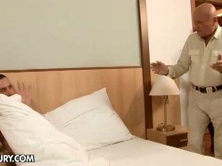 Lusty grandmas: ulakas pere neljakesi having hardcore seks