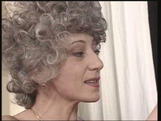 סבתות, מתבגר, אנאלי