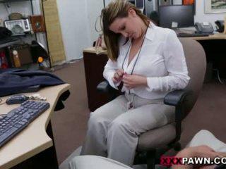 Booby επιχείρηση κυρία banged με pawn dude