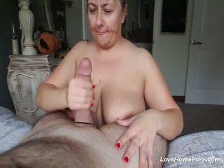 Veliko oprsje zreli žena sucks a velika debeli tič na ji knees
