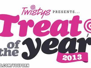 Aaliyah kjærlighet er miss april - twistys behandle av den år vote nå