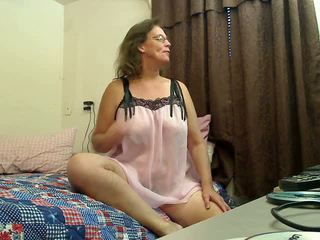 Lei digs profondo: gratis nonnina porno video 2f