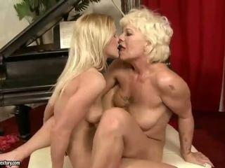 Caldi e sexy giovanissima ragazza lesbica sesso video