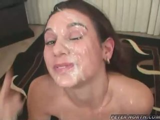Pleasing beauty jackie ashe engulfing weenies 과 takes a 지저분한 험악한 facials