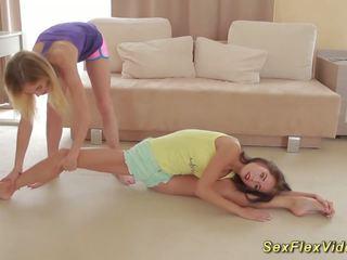 柔軟 girlfriends stretching, フリー 高解像度の ポルノの 36
