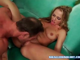 Sexy bitch Tiana Lynn squirting her fresh juices
