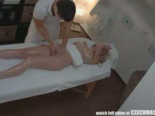 Czeska masaż anal blondynka