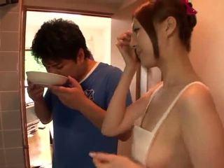 Sleaze yui tatsumi cooks ऊपर पॅशनेट insane स्पष्ट nearby उसकी mate