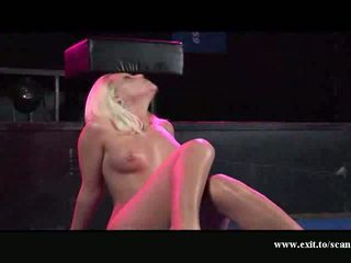 Lesbians Cumming on stage for large audience Video