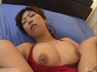 I madh boobed aziatike naho hazuki gets të saj kuçkë licking