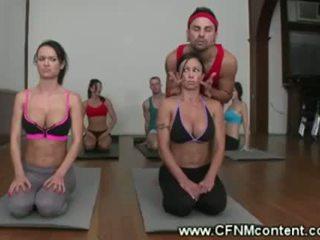 Netīras yoga instructors nerātnas lesson