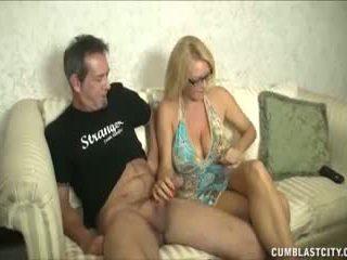 Huge-titted milf enjoys paluchage cocks