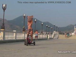 Nackt fahrt. öffentlich nudity <span class=duration>- 2 min</span>