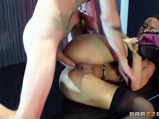 Stripper maker لها رجل جدا satisfied مع لها ضخم الحمار