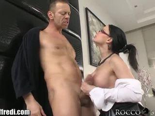 briunetė, assfucking, big boobs