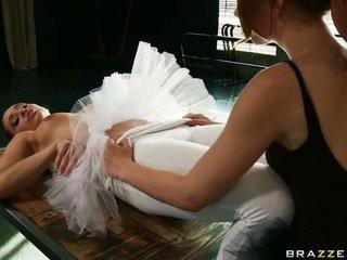 Cocoa swan в a ballet великий core