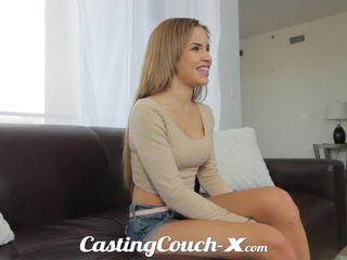 Κάστινγκ couch-x εξωτικό cali κορίτσι nervous να κάνω πορνό