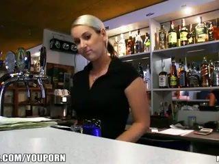 Incredibly sıcak fahişe bira olduğunu paid için almak bir seks mola en iş