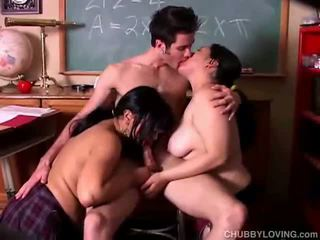 Chubby babes on 3some