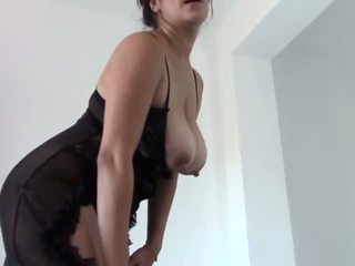 store bryster, pee, tease