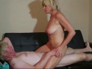 jatuh tempo, old + muda, saggy tits