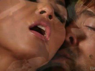 นมโต เอเชีย ผู้หญิงสวย adrianna luna smashed
