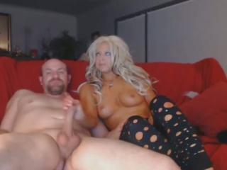 Hot Blonde Suck Huge Cock Deep in Her Throat: Free Porn 9a