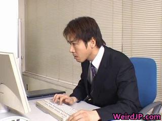 Ładniutka azjatyckie sekretarka wydymane
