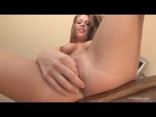 Kiera thrusts cucubmers in suo vagina
