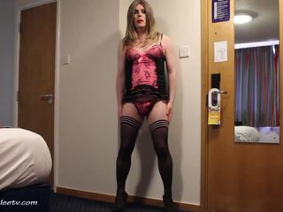 Emma lee - 호텔 방뇨 에 핑크 팬티