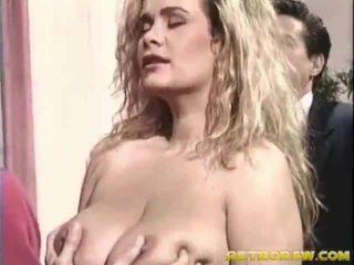 hardcore sex, kouření, blondýnky