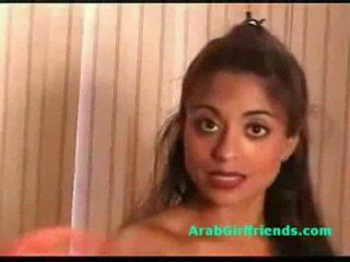 विशाल टिट्स आमेचर arab गर्लफ्रेंड shows उसकी आस और पुसी